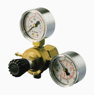 Reduction valve with two manometers