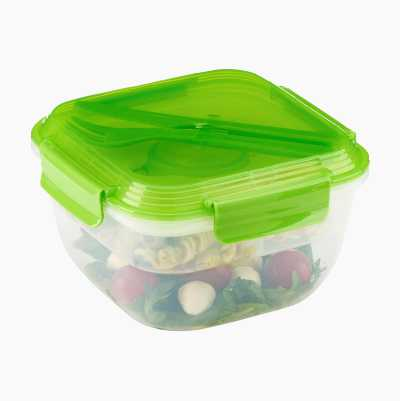 Lunchbox with cooling element