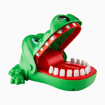 Biting Crocodile Family Game