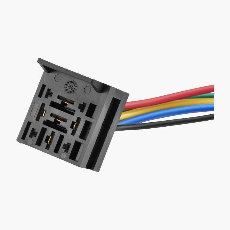 Relay socket, extendible