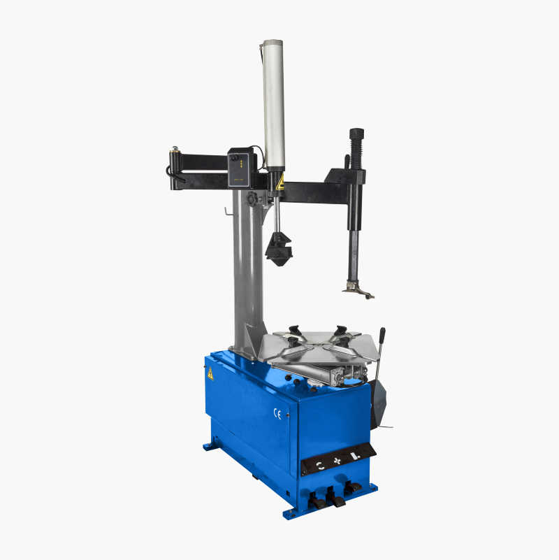 Tyre mounting machine with support arm