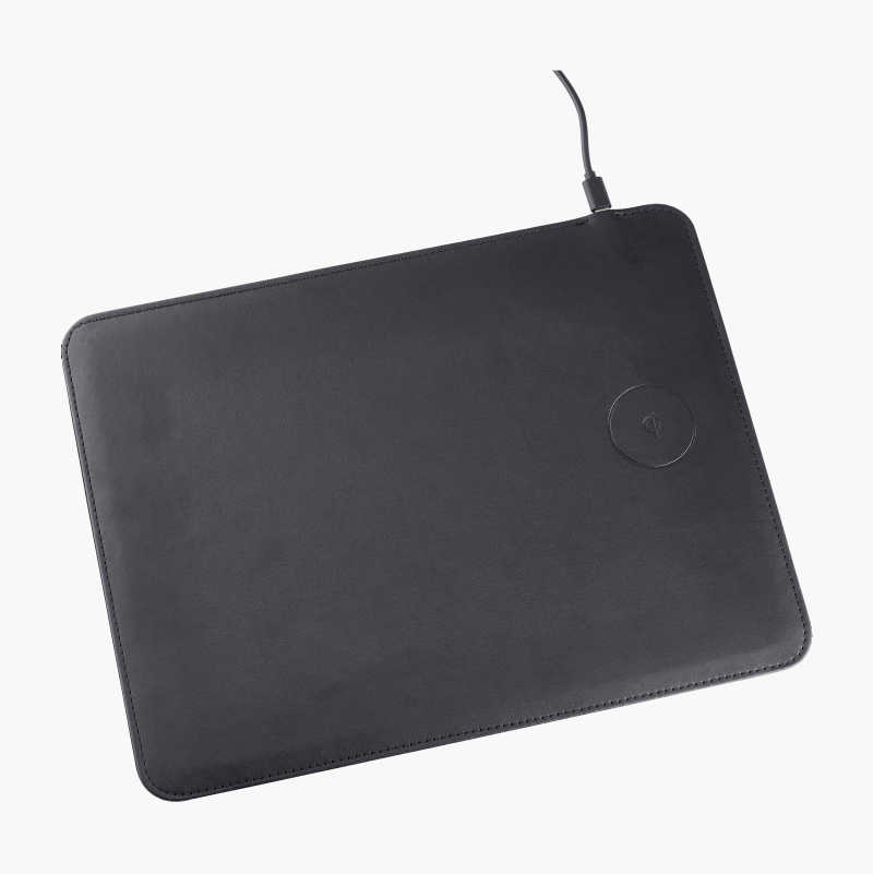 Mousepad with Qi charger