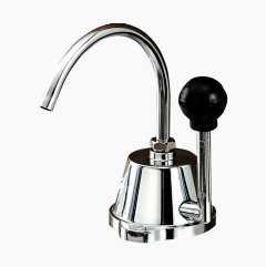 Vannkran med håndpumpe